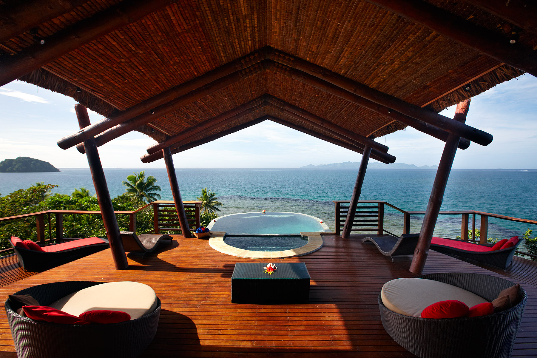 Nanuku-Vunikau-Penthouse-Plunge-pool-with-scenic-deck